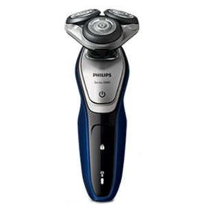 Philips Series 5000 electric shaver for minimized skin irritation