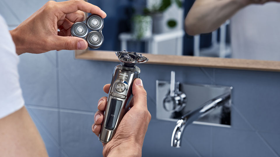 Philips Series 9000 Prestige electric shaver video thumbnail, how to replace the shaver head